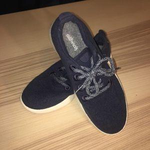Blue allbirds sneakers size 7. Barely worn.